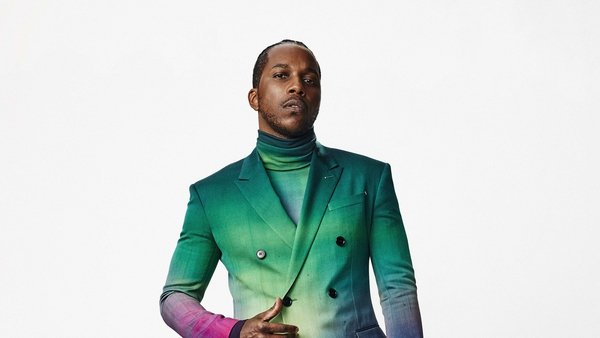 Leslie Odom Jr. went bold for this year's awards. Photo: Getty