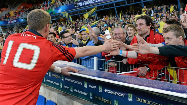 Ronan O'Gara greets Munster fans following their Heineken Cup semi-final defeat to Clermont in 2013