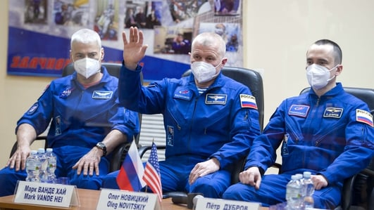 Russian US space crew successfully launches