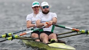Paul O'Donovan (R) and Fintan McCarthy impressed in their heat