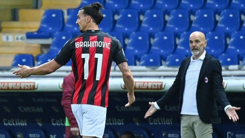 Zlatan Ibrahimovic trundles off after being dismissed for dissent