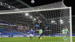 Everton goalkeeper Robin Olsen makes a save