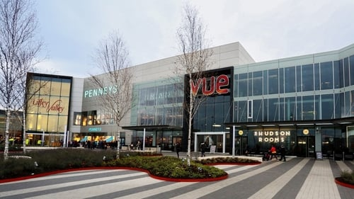 The proposed extension is to be anchored by two large retail units to either side of the public plaza