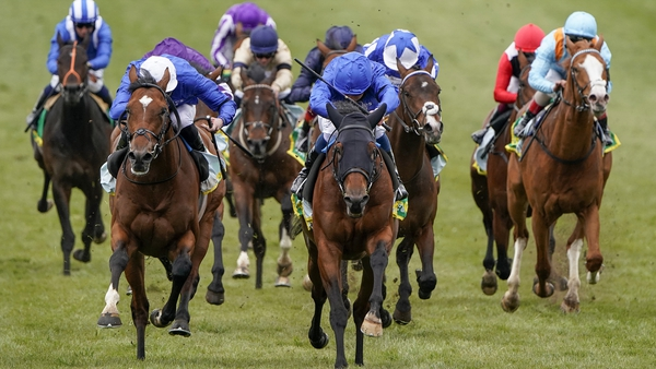 Master Of The Seas scores in a first-time hood on the Rowley Mile