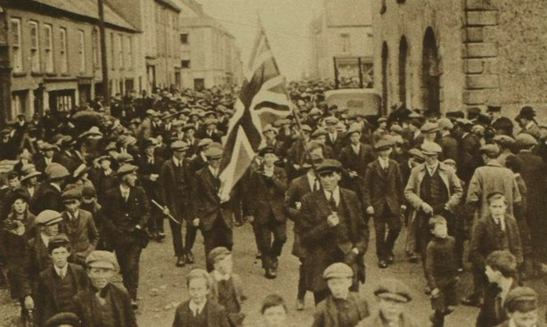A unionist procession in Co. Down ahead of the forthcoming elections for the new Ulster parliament Photo: Illustrated London News [London, England], 14 May 1921