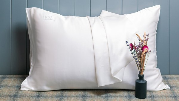 BEO Sleep Well Codladh Sámh Silk Pillowcase