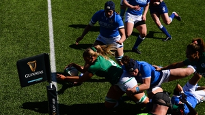 Dorothy Wall scoring the first try against Italy
