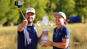 Marc Leishman and Cameron Smith celebrate with a selfie