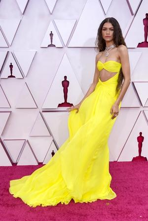 Zendaya presented the Oscar for Best Song