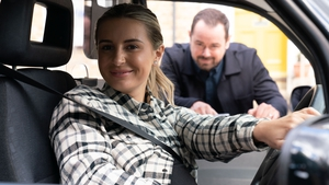Dani Dyer to make cameo alongside father Danny Dyer on EastEnders