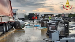 One truck driver suffered minor injuries as a result of the incident (Image: Vigili del Fuoco)