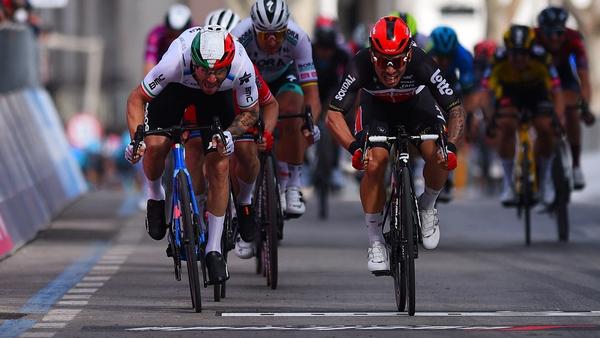 Team Lotto-Soudal rider Caleb Ewan (R) outsprints Team Qhubeka Assos rider Giacomo Nizzolo