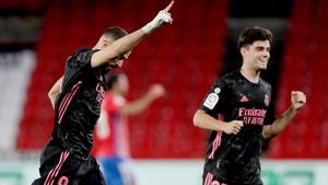 Karim Benzema celebrates his goal against Granada
