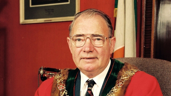 Tim Falvey was a former Fianna Fáil councillor who served as Lord Mayor of Cork in 1994