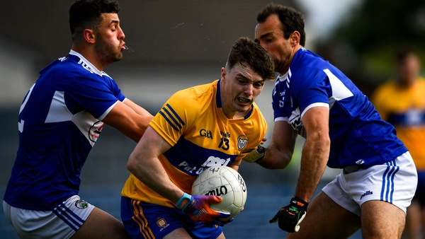 Clare's Gavin Cooney evades his markers in Ennis