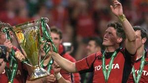 Ronan O'Gara celebrating with Munster in 2006