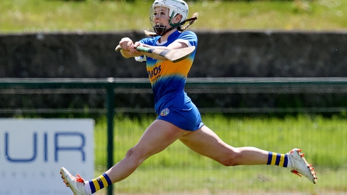 Tipperary's Clodagh McIntyre scores a point