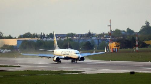 The Ryanair flight finally landing at Vilnius International Airport this evening