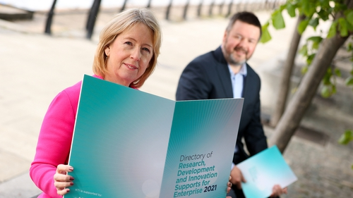 Alison Campbell, Director of Knowledge Transfer Ireland and Sean Costello, Director of Innopharma Technologies