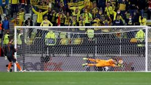 David De Gea's penalty kick is saved