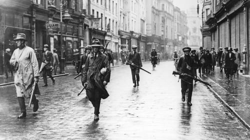 Armed anti-Treaty members of the IRA on Dublin's Grafton Street in 1922. Photo: Walshe/ Getty Images