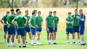 Stephen Kenny speaks to the squad during Tuesday's training session