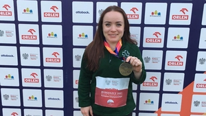 Niamh McCarthy produceda season's best throw of 30:03m to win the gold medal in emphatic fashion