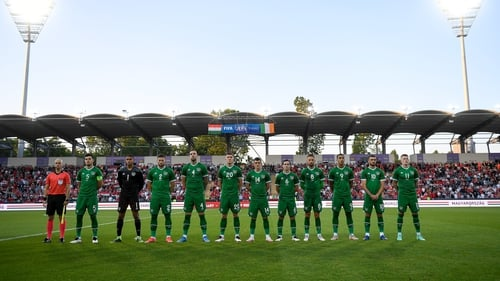 The Ireland players took the knee just before kick-off in Budapest