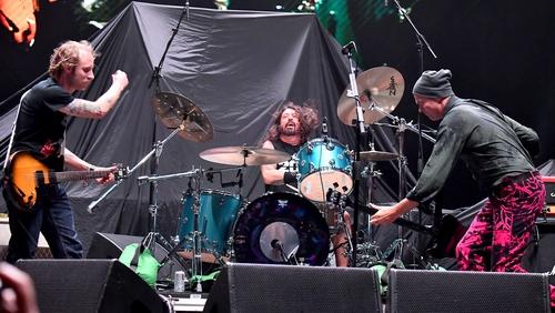 John McCauley of Deer Tick joins Dave Grohl and Krist Novoselic during Cal Jam 18 at the San Manuel Amphitheater on October 6,2018 in San Bernardino, CA. (Photo by Jeff Kravitz/FilmMagic.com)