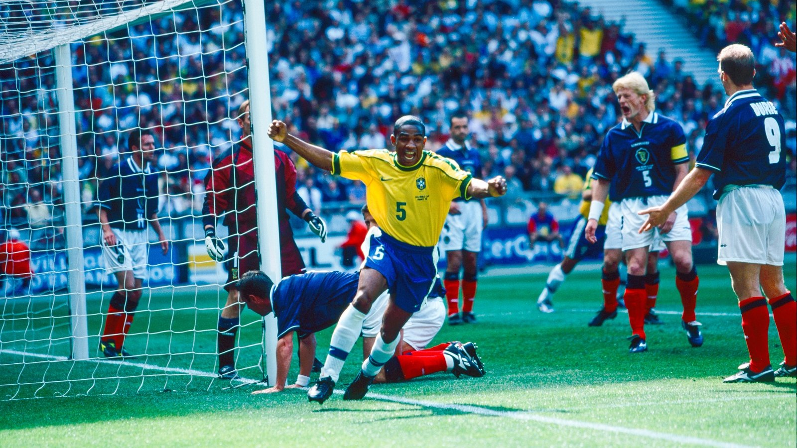 Image - Cesar Sampaio scores the first goal of the 1998 World Cup against Scotland