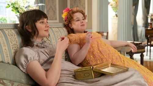 (L to R) Claudia Jessie as Eloise Bridgerton and Nicola Coughlan as Penelope Featherington in Bridgerton