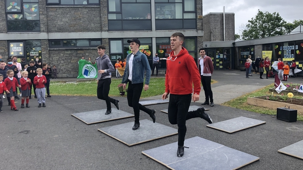 Cairde took to the boards at Radharc na Mara NS to help promote Active School Week