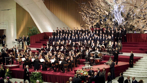 The choir performing in the Vatican in 2005