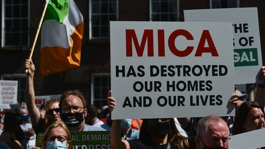 Mica dominates political agenda as thousands take to Dublin demanding action