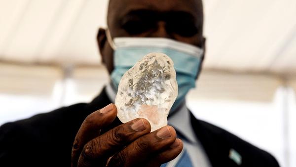 The stone, found on 1 June, was shown to Botswanan President Mokgweetsi Masisi in the capital Gaborone