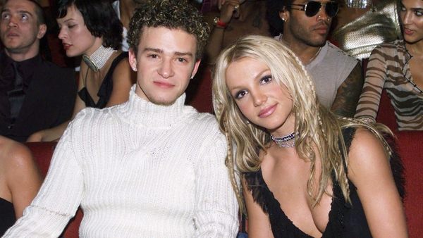 Justin Timberlake and Britney Spears at the MTV Music Awards in 2000