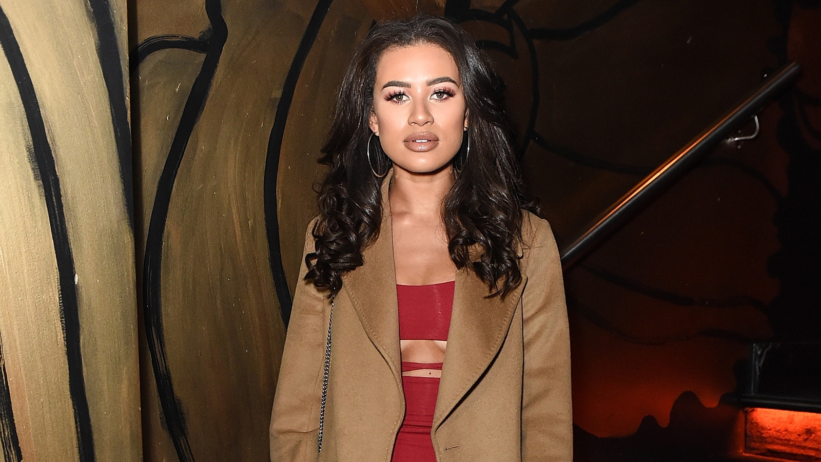 Former Love Island contestant points warning