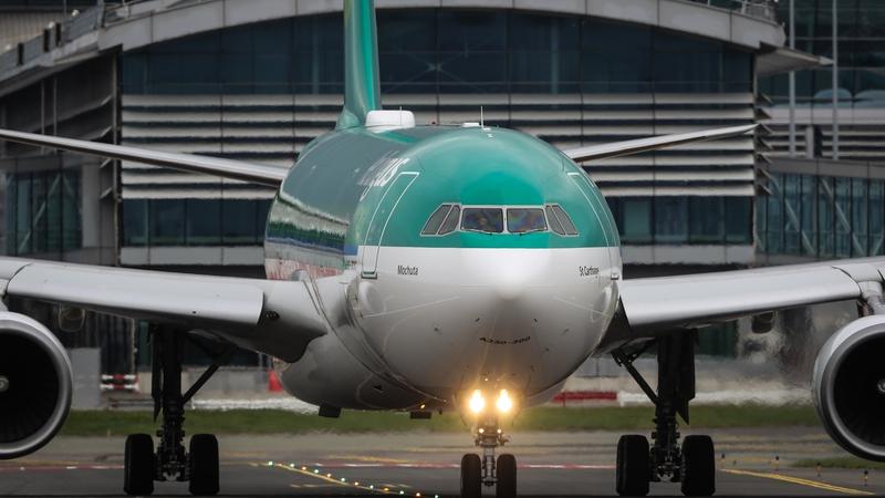 Comhaontú 10 mbliana sínithe ag Aer Lingus le Emerald