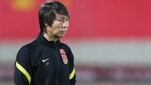 Chinese head coach Li Te