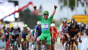 Cavendish holds the green jersey