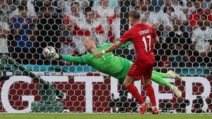 Kasper Schmeichel denies Harry Maguire with a fine save
