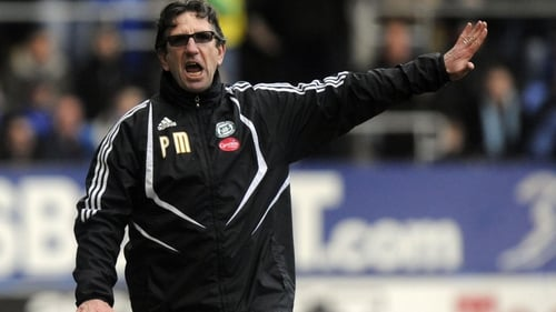 Paul Mariner on the sideline with Plymouth Argyle in 2009