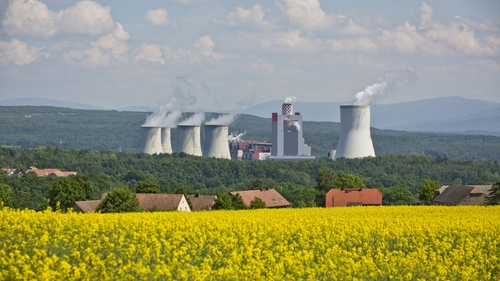 Emissions in Europe's electricity sector are falling fast, but other sectors have been stuck