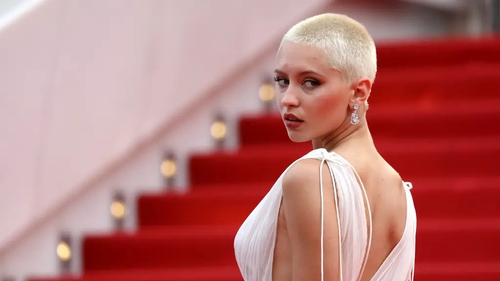 They're the latest celebs to embrace the shaved head look, and we're fans, says Katie Wright.