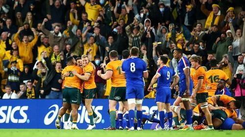 14-man Australia overcome France in Lang Park
