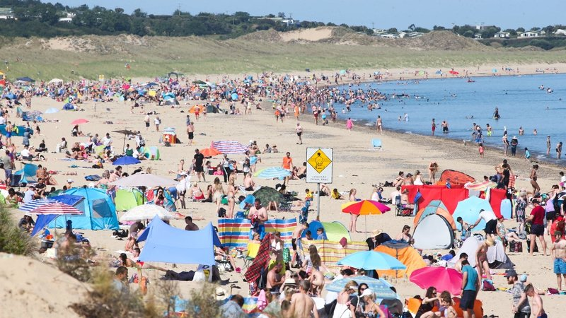 People enjoying the sun at Brittas Bay in Wicklow on Saturday (Pic - Rollingnews.ie)