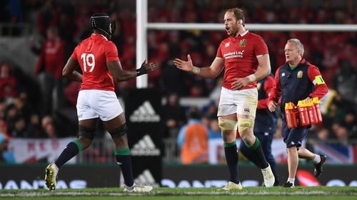 Alun Wyn Jones replaced by Maro Itoje during the 2017 tour to New Zealand