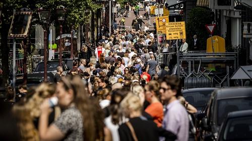 Mourners queue for farewell ceremony to Dutch crime reporter Peter R. de Vries