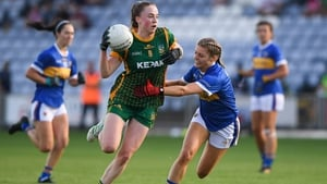 Meath's Aoibhin Cleary gets past the challenge of Tipperary's Elaine Kelly