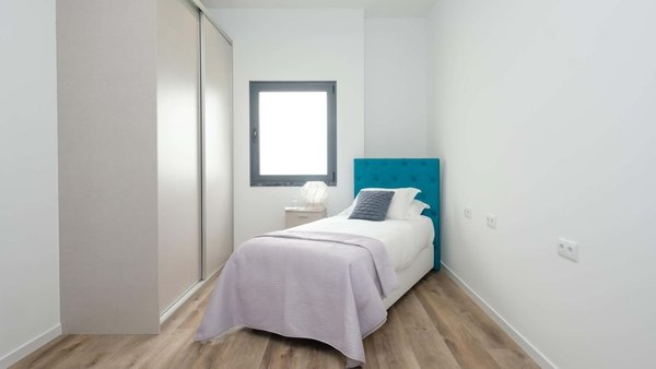 8 simple tips for making the most of a small bedroom.